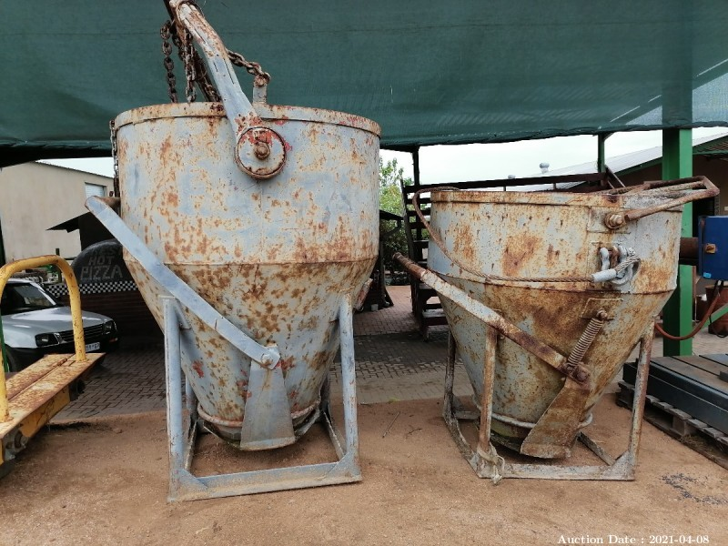 440 Concrete Pouring buckets