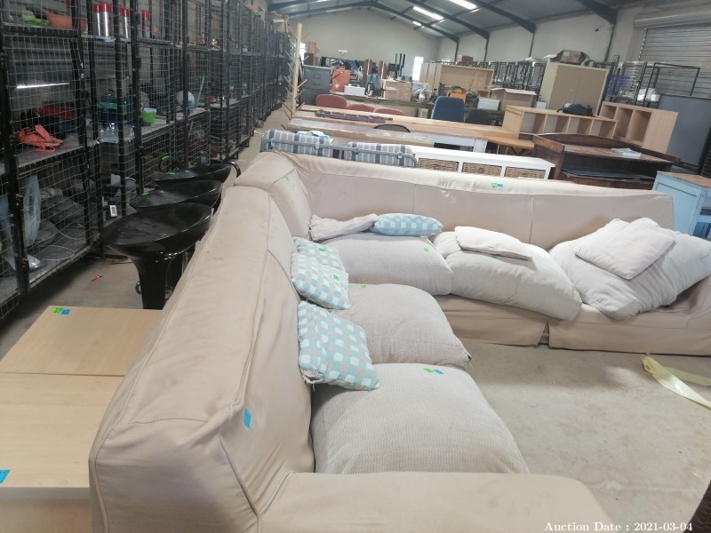 124 Large Upholstered Corner Couch