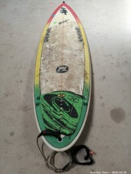 Description 315 Gotcha Surfboard with Leash and Fins. Signed by Peter Lawson