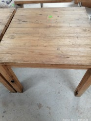 Description 510 Wood Table