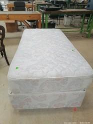 Description 512 SIngle Bed