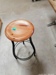 Description 505 Bar Stools