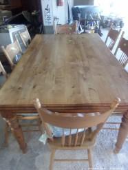 Description 517 Dinning Room Table