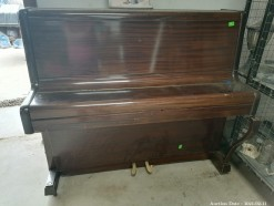 Description 107 Piano
