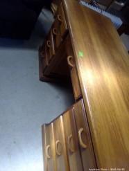 Description 518 Wood Desk