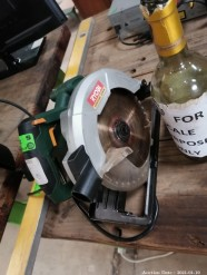 Description Ryobi circular saw 230v (30 x 30 x 20 cm)  This bid will be used as your proxy bid on our live auction - Online bidders will be notified by 6 Pm by Auction day. AP Score 10/10. This is a live and online auction.