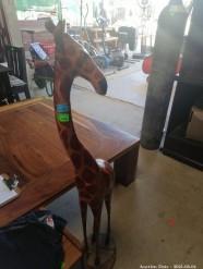 Description 108 - Beautiful Wooden Carved Giraffe