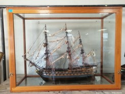 Description 321 Incredibly Detailed Model Ship in Oak and Glass Case