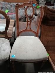 Description 114 Chair