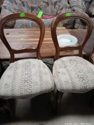 Description 113 Chairs