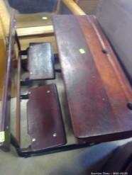 Description 513 Old School Desk
