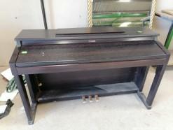 Description 504 Roland Piano