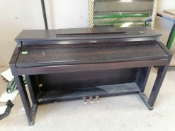 Description 504 Roland Piano