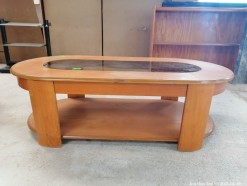Description 307 Oak Wood Coffee table